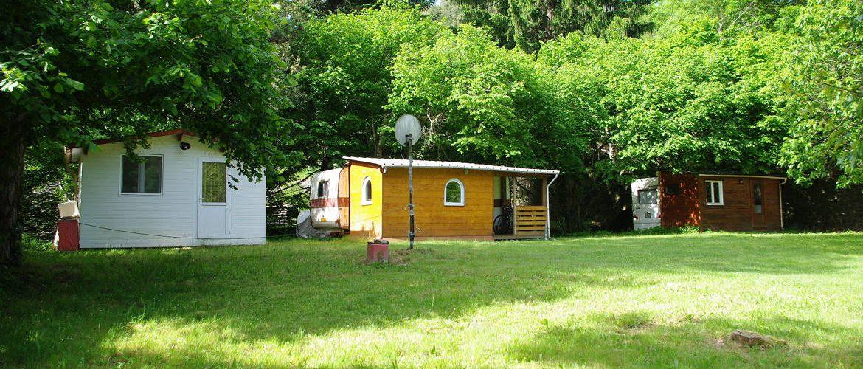 caravanes avec auvents du camping de Roubigies en Cévennes